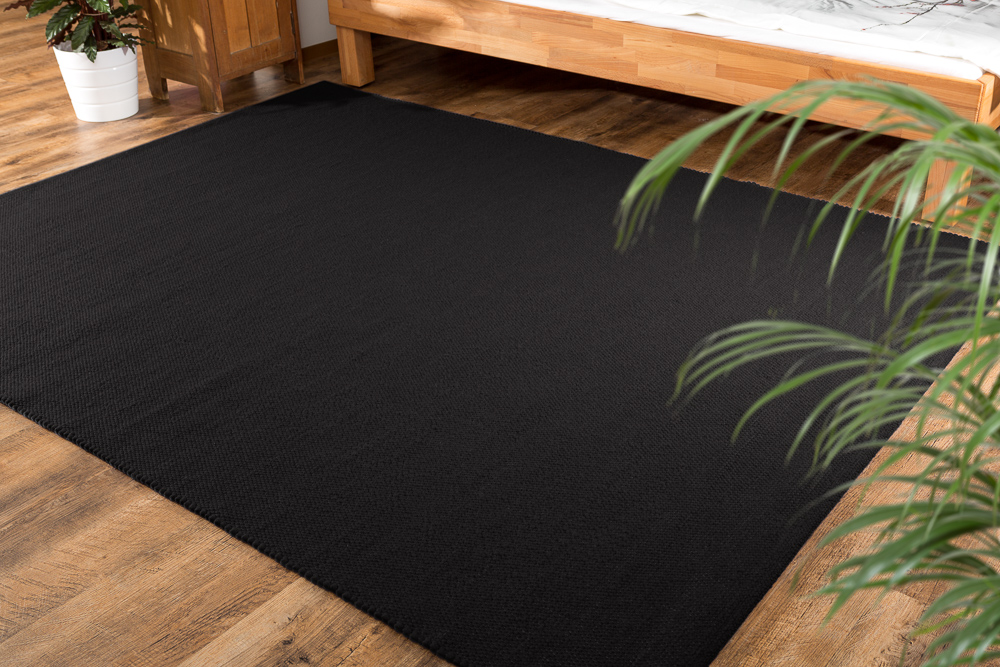 einf rbige schwarze teppiche. Black Bedroom Furniture Sets. Home Design Ideas