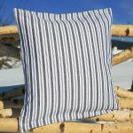 "pillow case ""Waldviertler striped"" button fastener 40x40 cm"