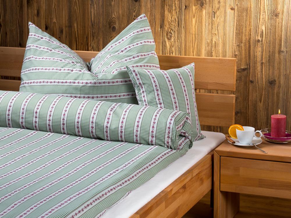 bettw sche blumenranke mit jacquardlanzierung bettdeckenbezug. Black Bedroom Furniture Sets. Home Design Ideas