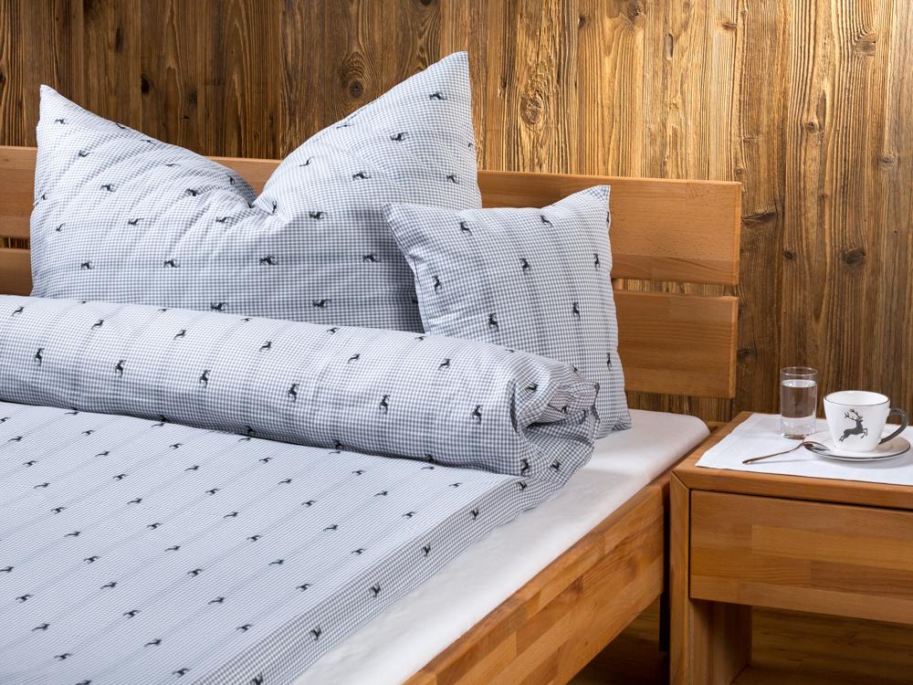vichy karo hirsch nach ma. Black Bedroom Furniture Sets. Home Design Ideas